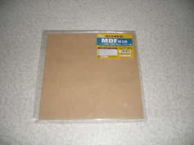 100円ショップで買った木の板